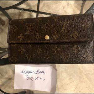 Authentic Louis Vuitton Sarah Wallet 🥰